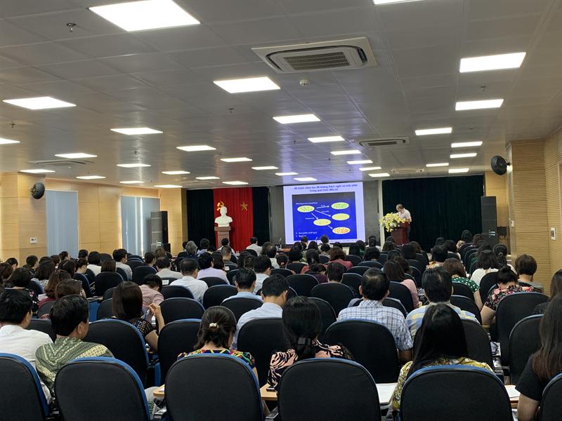 """Hội thảo """"Ứng dụng dược lý học lâm sàng trong công tác quản lý sử dụng kháng sinh tại bệnh viện"""" tại Bệnh viện Bạch Mai"""