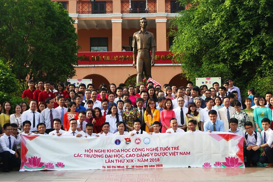 Nghiên cứu về Biến cố bất lợi trong điều trị Lao đa kháng của Trung tâm DI&ADR Quốc gia được trao giải tại Hội nghị KHCN tuổi trẻ các trường đại học, cao đẳng Y - Dược lần thứ XIX