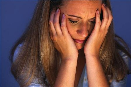 MHRA cảnh báo nguy cơ xuất hiện rối loạn tâm thần trên bệnh nhân sử dụng isotretionin