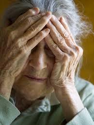 Risperidon và nguy cơ biến cố bất lợi trên mạch não ở bệnh nhân sa sút trí tuệ